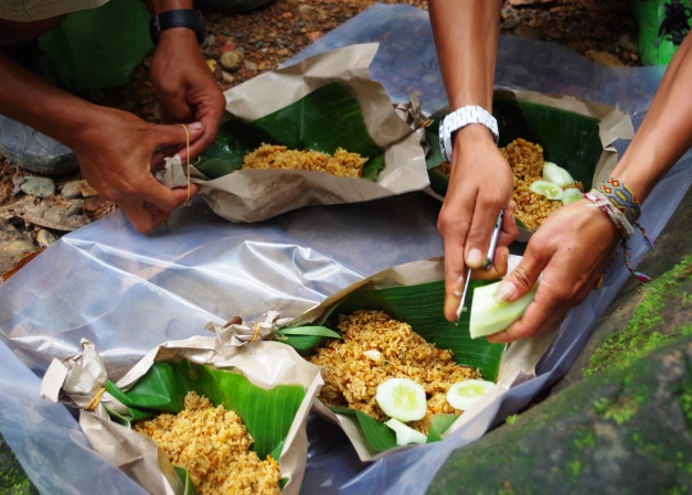 Jungle Lunch in Bukit Lawang